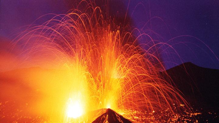 """Gas, """"motore termico"""" dell'attività eruttiva dell'Etna"""