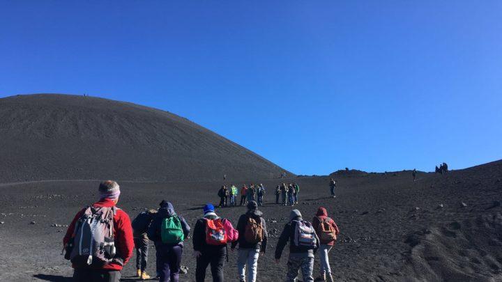 Oltre mille studenti acesi gratis sull'Etna