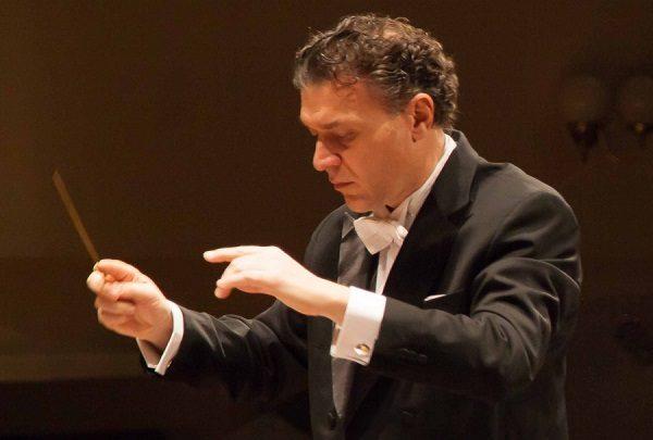 Al Teatro Massimo Bellini concerto sinfonico-corale diretto da Luigi Piovano
