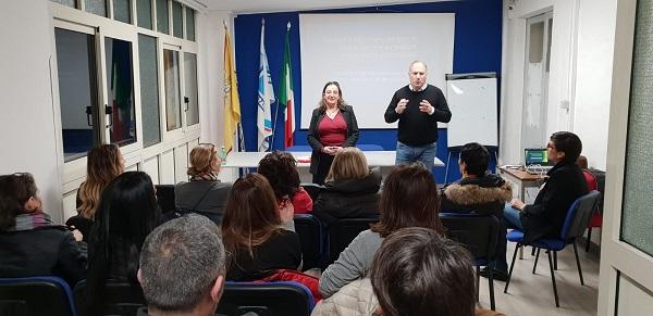 Genitori e figli a confronto, in un incontro organizzato dalla Ugl di Catania e dalla Neos edizioni, sulla contraccezione e le malattie sessualmente trasmissibili