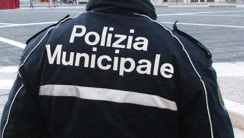 Polizia Locale, posteggiatori abusivi e ricettazione merce rubata ancora nel mirino.
