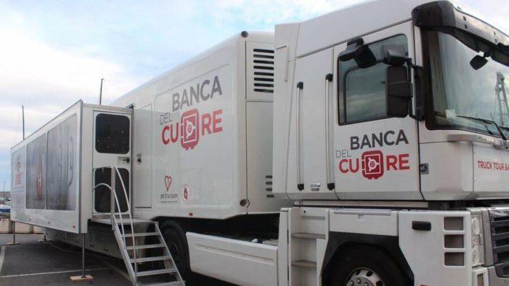 Il Truck Banca del Cuore in piazza Università