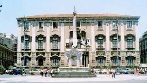 La prefettura di Catania, convoca le OO.SS. per il dissesto del comune