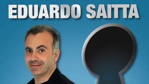 """Eduardo Saitta mette un """"Occhio al buco della serratura"""" L'attore indaga nelle stranezze dei siciliani con il nuovo spettacolo da giovedì al Musco"""