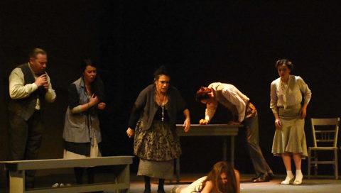 """""""MALIA"""" di Armando Pugliese al Teatro Brancati: cartoline da una novella…"""
