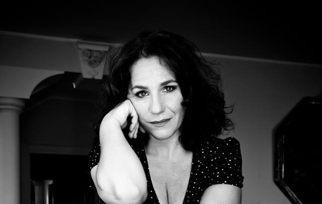 Alice Ferlito, fiera e riservata con brio!