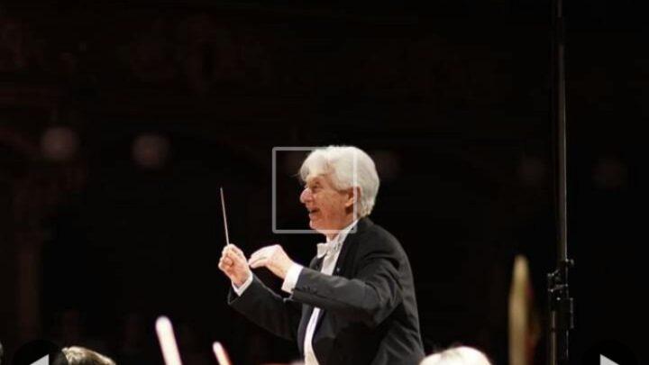 Elio Boncompagni ha diretto il concerto sinfonico – corale al Teatro Massimo Bellini