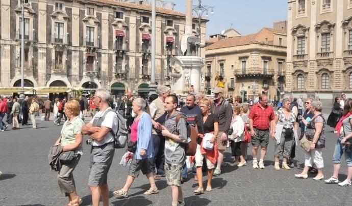 Turismo, numerosi verbali elevati contro guide o accompagnatori abusivi
