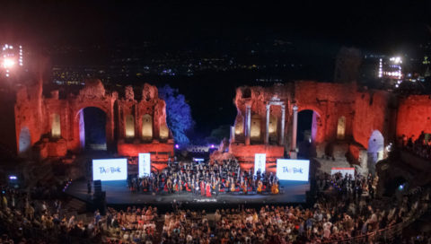 Taobuk: grande successo per la serata di gala al Teatro Antico di Taormina