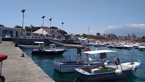 Giardini Naxos: Mare e Spiaggia, Storia e Cultura. Ottima idea viaggio vacanza