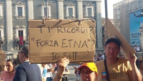 """Salvini a Catania, """"Ci sono già telefonate per le Poltrone"""""""