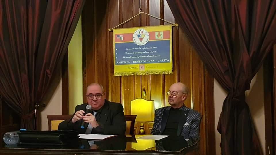 """Catania: il meeting sull'amore """"folle"""" che ha incantato gli ospiti di Villa Manganelli."""