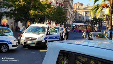 Corso Sicilia: operazione dei vigili urbani contro abusivi e sotto selvaggia.