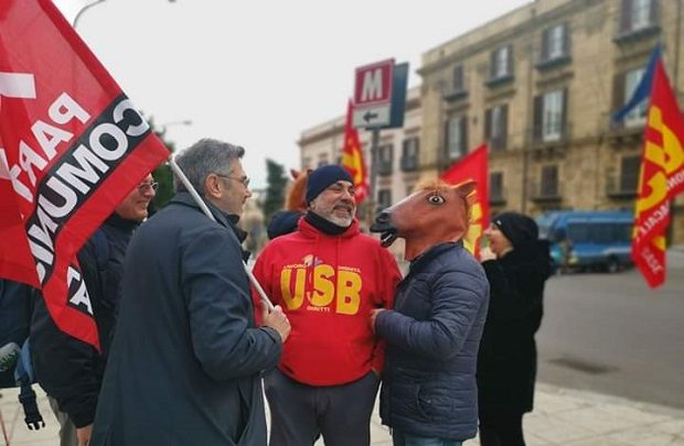 """Protesta dell'USB Formazione Professionale con  il  presidio """"Testa di cavallo"""""""