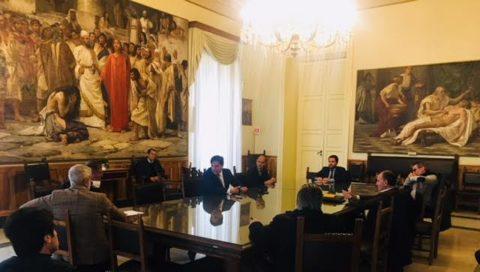 CoronaVirus, Pogliese convoca vertice urgente al Comune. Restrizioni sui mercati storici e rionali e sugli accessi del pubblico negli uffici comunali.