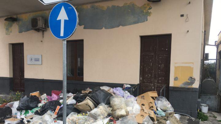 CORONAVIRUS ?  Al Porto di Catania nessuna paura, proteggono pure la spazzature e non controllano i passeggeri in transito