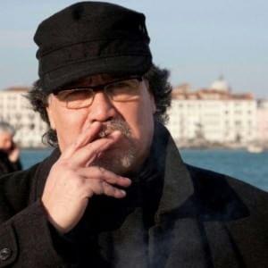 Luis Sepúlveda, «… spengo la sigaretta e arrivo». Un ricordo per non smettere di lottare.