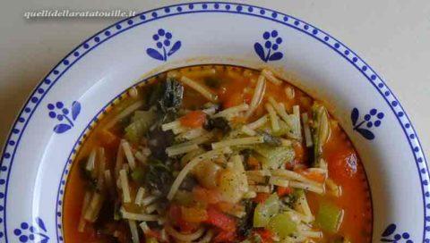 Ricetta fresca, anzi freschissima: A' pasta che taddi da' cucuzza longa.