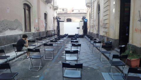 LA FORZA DEL TEATRO, Unione e solidarietà̀ tra artisti e pubblico al Teatro del Canovaccio