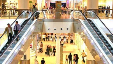 Covid, i centri commerciali  bombe ad orologeria che possono innescare il contagio