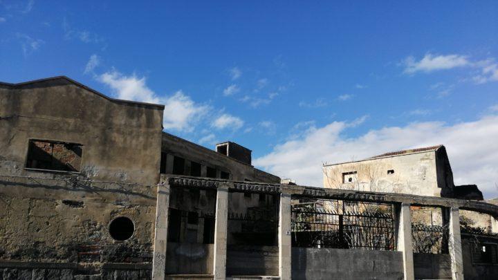 """Ex Consorzio Agrario via Domenico Tempio a Catania. Ersilia Saverino: """"Fonti europei per salvare la struttura dalla distruzione totale"""""""