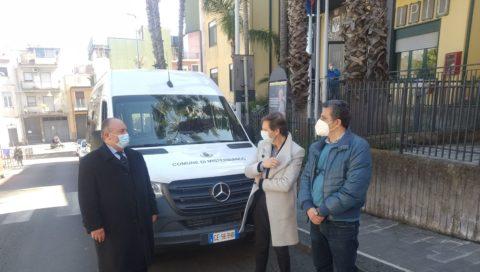 Città di Misterbianco: Consegnato un nuovo mezzo per la  terza linea del trasporto urbano.