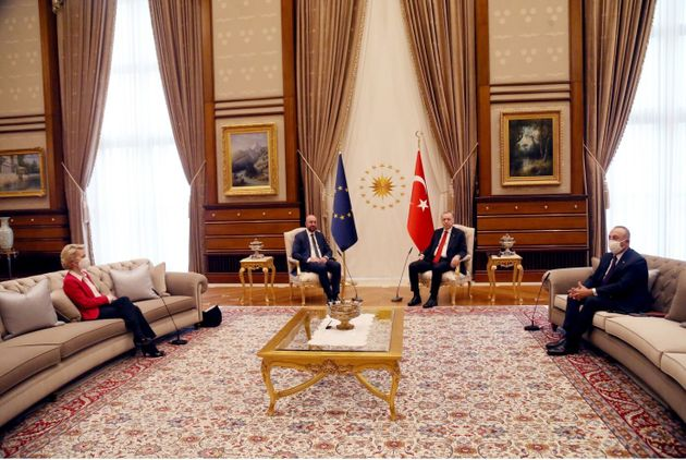 Erdogan calpesta le Istituzioni Europee in nome di un falso Islamismo exnofobo