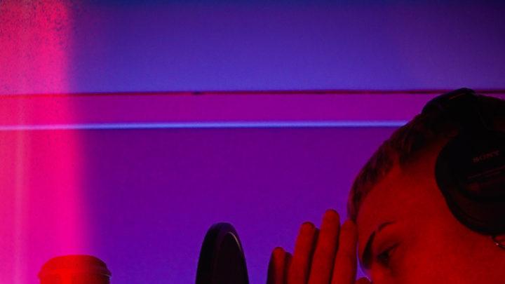 """Skinny torna con un freestyle e annuncia il suo primo Ep Il video di """"Oh Mama"""" è già tra le tendenze di YouTube"""
