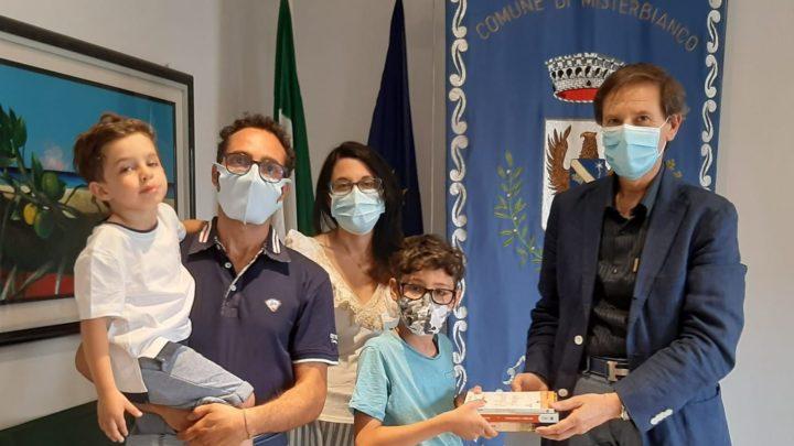 Misterbianco : Mattia Ingrassia vince il concorso nazionale di disegno dal titolo : Il nome è…presso la città di Taranto.