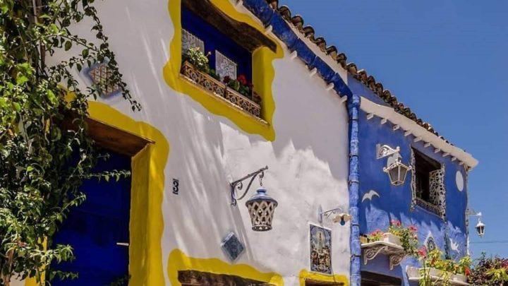 Tutti pazzi per Borgo Parrini. Tanti i turisti nel coloratissimo villaggio a due passi da Partinico