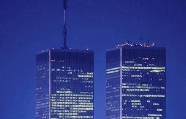 11 SETTEMBRE 2001-11 SETTEMBRE 2021: OGGI RICORDIAMO A VENT'ANNI DI DISTANZA LE TORRI GEMELLE DI NEW YORK.
