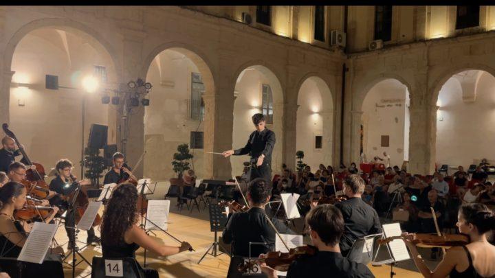 """Bach, Vivaldi, Gluck e Mozart.  I """"fantastici quattro"""" per l'Orchestra da Camera Orfeo di Domenico Famà"""